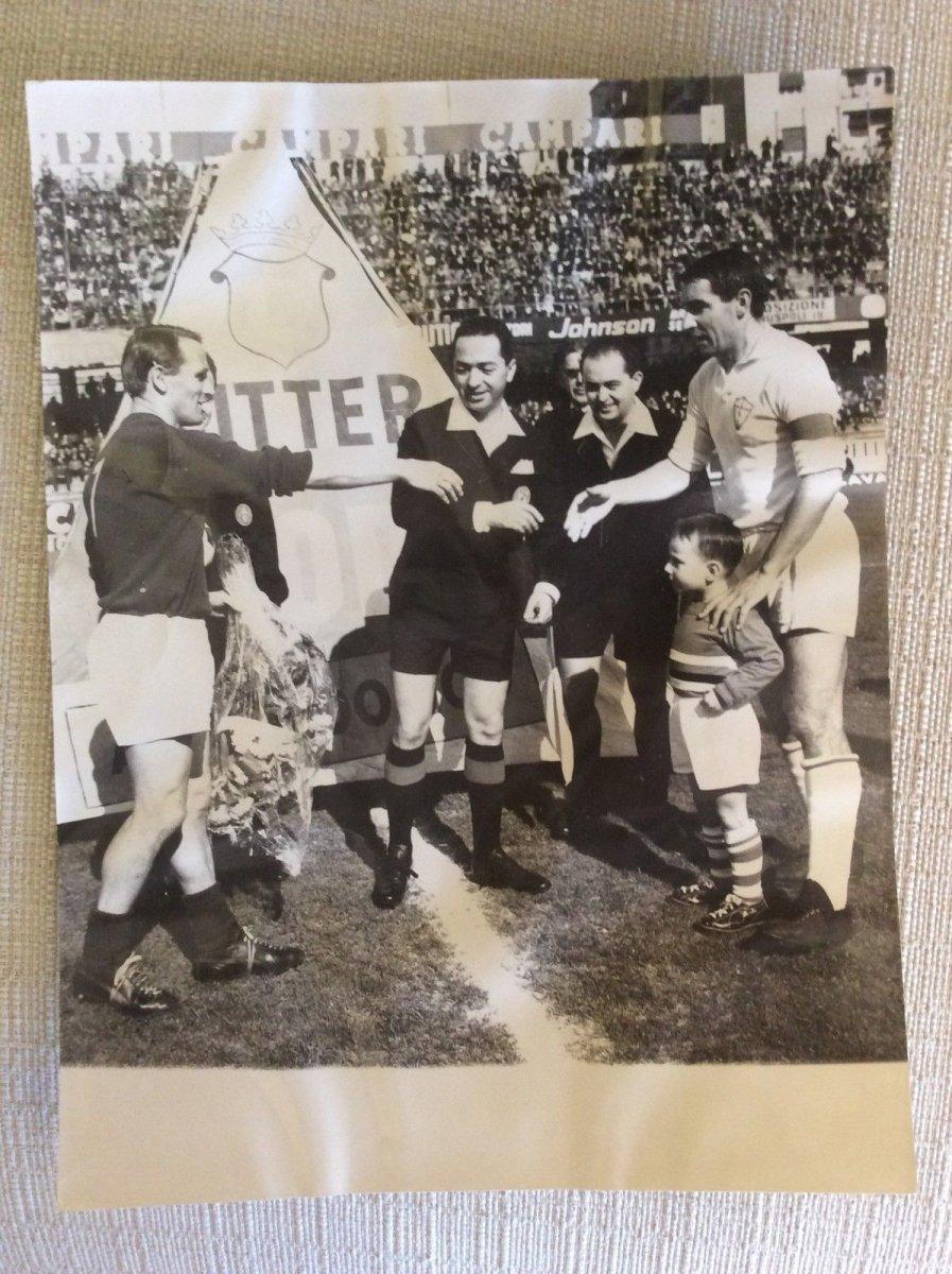 1966-PARTITA-SAMPDORIA-FIORENTINA-CAPITANI-HAMRIN-VINCENZI.jpg